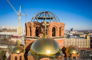 На соборе Александра Невского появился каркас внутреннего купола