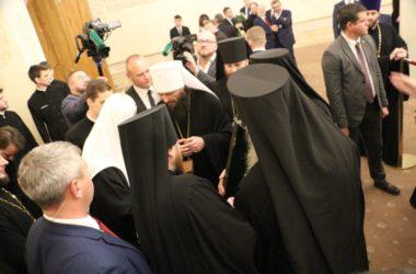 Волгоградские архиереи во главе с митрополитом Феодором поздравили Патриарха Кирилла с днем рождения