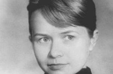 К юбилею Александры Пахмутовой в Волгограде установят ее скульптуру