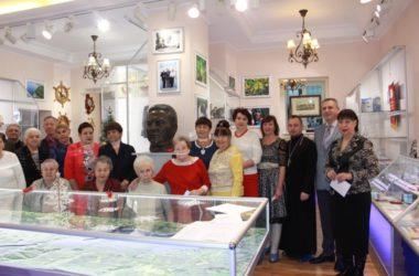 Настоятель храма святого праведного Феодора Ушакова поздравил работников Волго-Донского канала