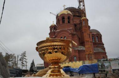 Начался монтаж главного купола Александро-Невского собора