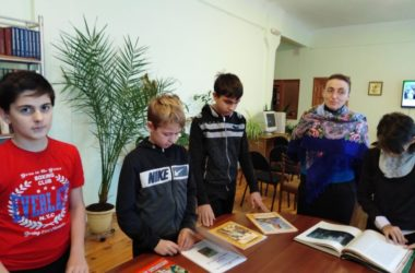 В Царицынском православном университете завершились встречи в рамках выставки «Святые земли русской»