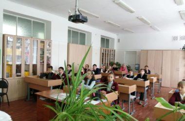 Школьникам рассказали о роли Православной Церкви во время войны