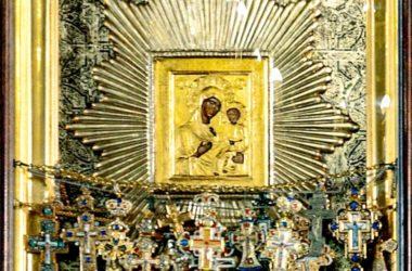Крестный ход с иконой Богородицы «Избавительница от бед» завершил шествие по Волгоградской епархии