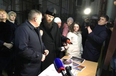 Крест на кафедральном соборе Александра Невского установят на Пасху