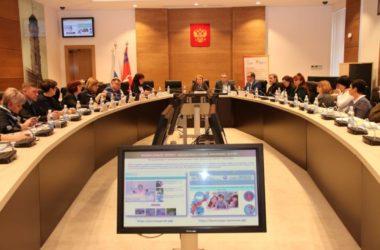 В Волгограде прошло заседание круглого стола по вопросам материнства и детства