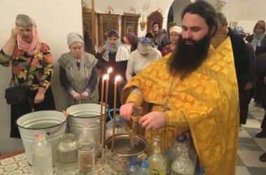 На Литургии в храме Иоанна Предтечи помолились о убиенных в годы Афганской войны