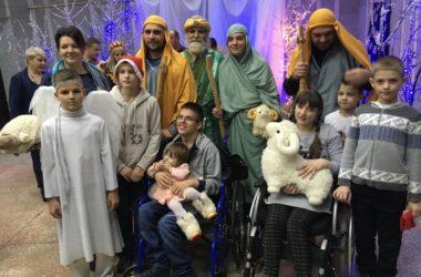 Православный центр «Красное солнышко» пригласил на рождественский праздник тысячу гостей
