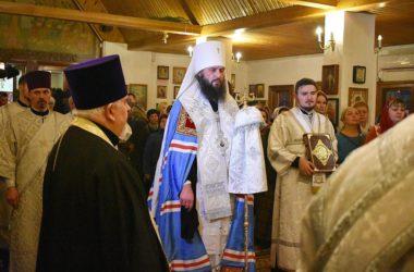 В канун праздника митрополит Феодор совершил  всенощное бдение в храме Богоявления