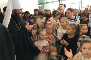 Юные волгоградцы побывали на архиерейской елке