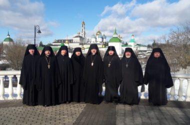 Насельники Свято-Духовского монастыря совершают паломничество в Троице-Сергиеву Лавру