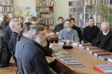 Духовенство Волгоградской митрополии встретилось с автором книг об истории нашего края