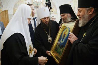 Правящие архиереи Волгоградской митрополии поздравили Патриарха Кирилла