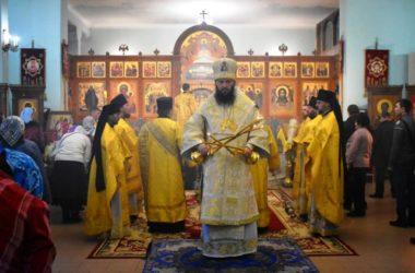 В Свято-Духовом монастыре состоялась архиерейская служба