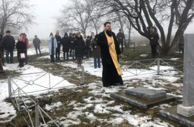 Священник призвал молиться за погибших в годы войны