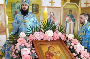 Состоялась архиерейская служба в храме иконы Божией Матери «Утоли моя печали»