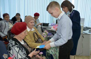 Юные прихожане волгоградского храма участвовали в концерте для ветеранов