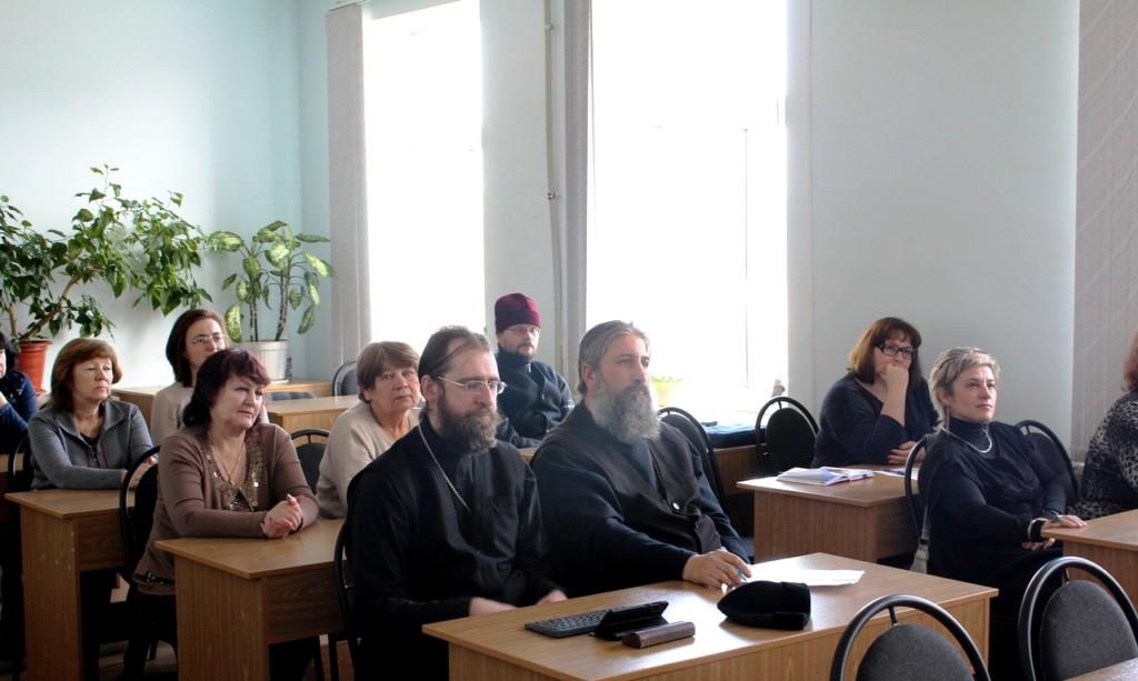 Преподаватели и сотрудники Царицынского православного университета обучаются оказанию первой помощи