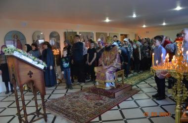 Митрополит Феодор впервые служил в храме Святой Троицы в Камышине