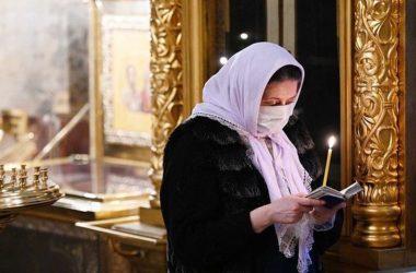 «Ведь раньше во время эпидемий все в храм шли!» Епископ-вирусолог отвечает на возмущенные комментарии про коронавирус