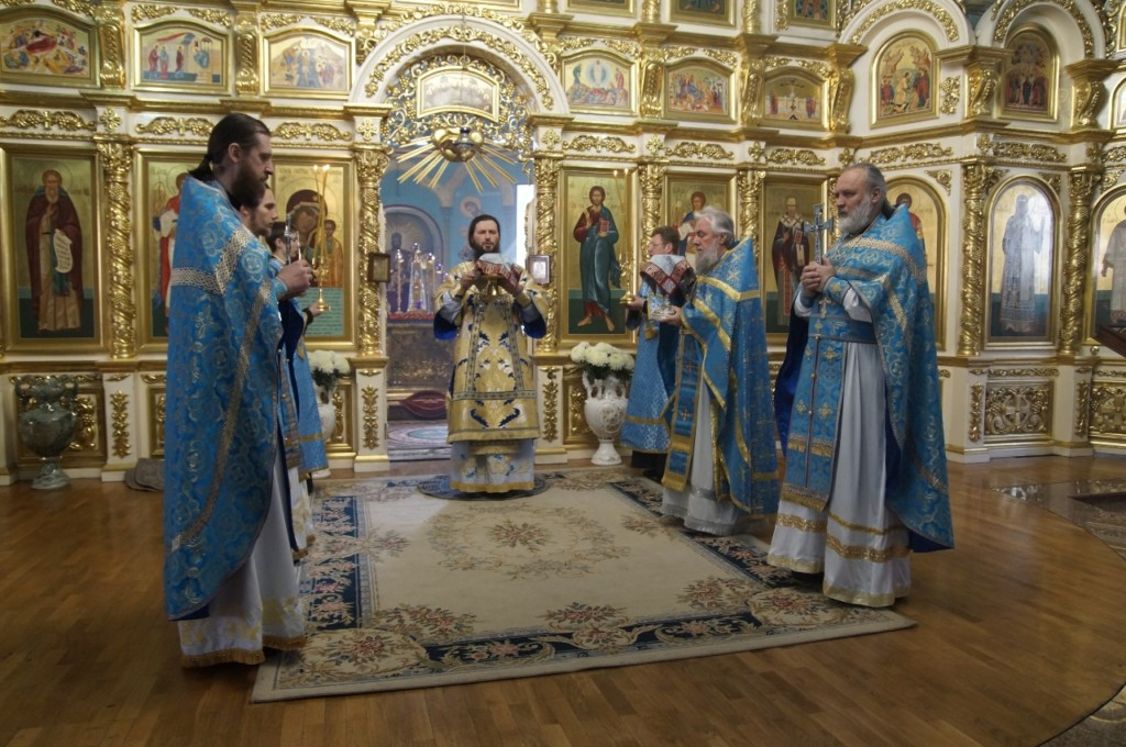 В кафедральном Казанском соборе состоялась архиерейская Божественная литургия в праздник Благовещения Пресвятой Богородицы