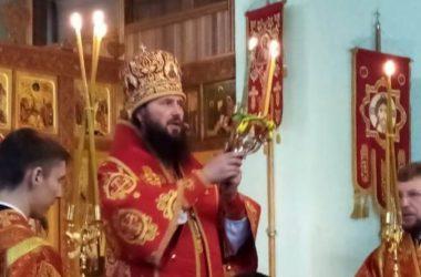 Митрополит Феодор возглавил Божественную литургию в Свято-Духовском монастыре