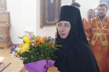 Игумения Анна : Монашеская жизнь — это как выход в открытый космос