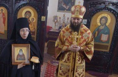 Митрополит Феодор отслужил Божественную литургию в Свято-Вознесенском монастыре в Дубовке