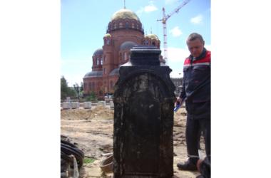 Уникальная находка рядом со строящимся собором Александра Невского