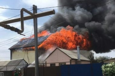 В Волгоградской епархии собирают помощь семье регента — сгорел дом