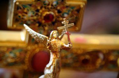 Патриарх Кирилл призвал состоятельных прихожан поддержать нуждающихся священников