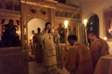 Ночная Божественная литургия в храме Иоанна Предтечи