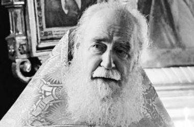 Умер сталинградский священник Василий Изюмский