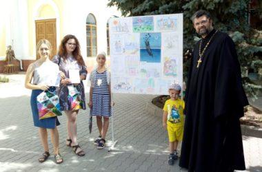 В Никольском кафедральном соборе поздравили победителей конкурса эссе и рисунков «Свобода»