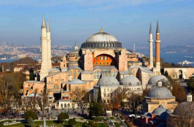 Президент Турции пообещал сохранить христианские святыни в храме Святой Софии