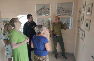 В Никольском соборе открылась выставка волгоградского художника Стаса Азарова