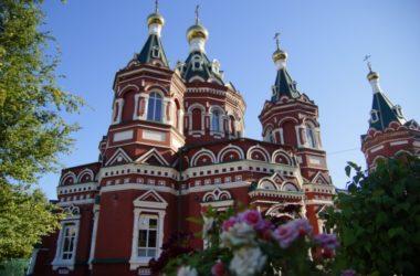 Воскресная школа при Казанском соборе приглашает всех учиться петь