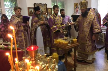 Праздник первого Спаса в храме Воздвижения Честного Креста Господня