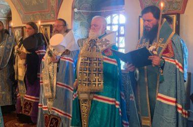 Митрополит Феодор принял участие в торжественном богослужении накануне праздника явления Толгской иконы Божией Матери