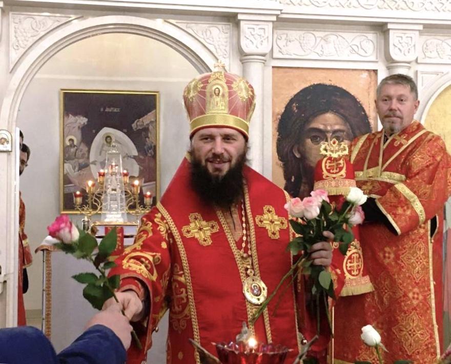 Митрополит Феодор возглавил Литургию в храме мучениц Веры, Надежды, Любови и матери их Софии