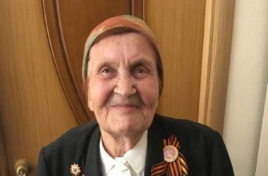 Участница Сталинградской битвы Валентина Мельникова: желаю школьникам вырасти патриотами своей Родины!