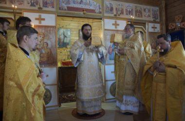 В храме иконы Божией Матери «Утоли моя печали» состоялась архиерейская служба