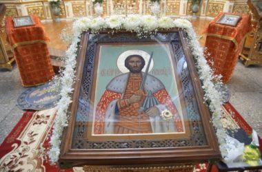 Евангелие дня: Литургия в день перенесения мощей святого князя Александра Невского