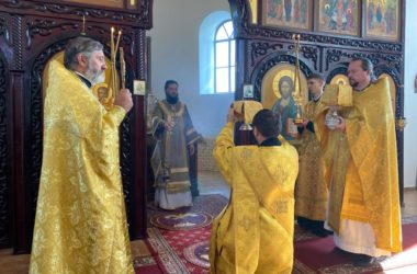 В Свято-Вознесенском монастыре почтили память святых Петра и Февронии