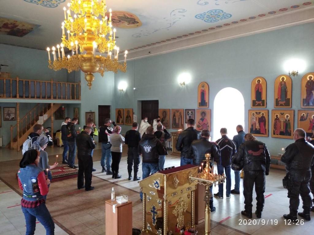 В Волгограде совершили панихиду по погибшим мотоциклистам
