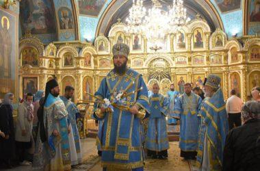 Литургию в Казанском соборе в праздник Рождества Богородицы возглавил митрополит Феодор