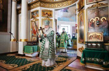 В день памяти Александра Невского Патриарх Кирилл совершил Литургию в Даниловом монастыре