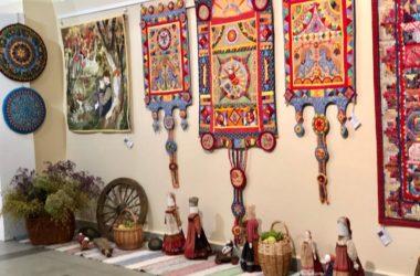Рукодельницы Никольского собора представили свои работы на московской выставке