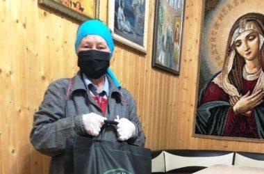 Активисты Волгоградской епархии поздравили пожилых людей