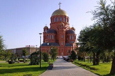 Александровский сквер становится популярной точкой туристических маршрутов
